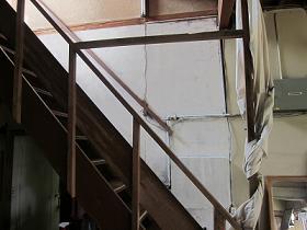 階段白.jpg
